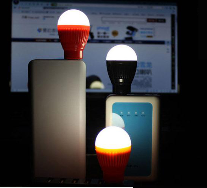 隨機出貨- 炫彩USB LED小燈泡 即插即亮燈泡造型燈 應急照明 行動電源LED手電筒 照明燈 可接行動電源變露營燈 綠色殼