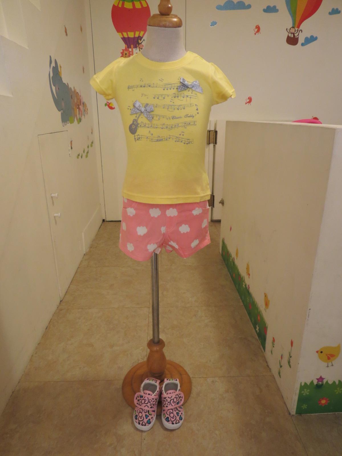 熱汽球潮流童裝~(限時優惠)專櫃品牌精典泰迪~女童樂譜短袖上衣  黃色