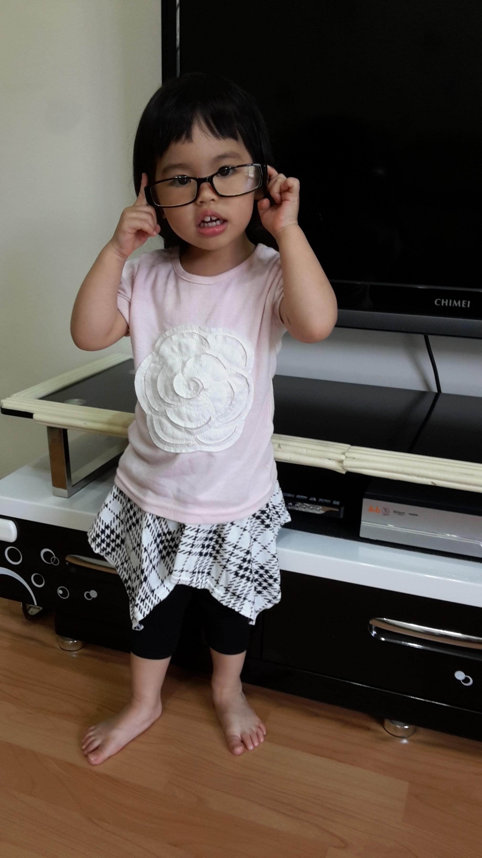 熱汽球潮流童裝~女童格紋八分褲裙  黑色