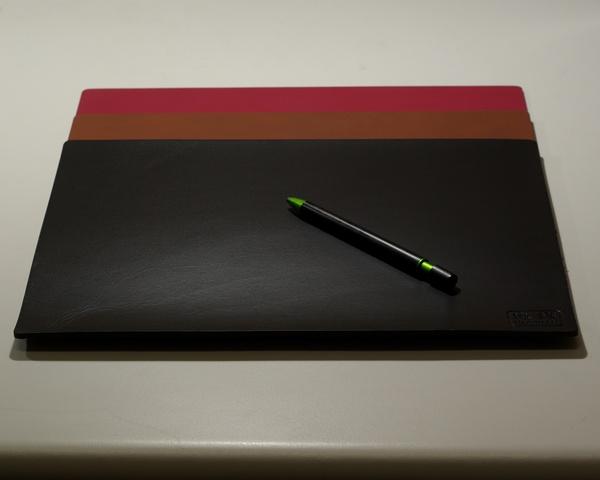 皮革牛皮皮製真皮寫字墊皮寫字墊(黑)方邊長32公分*24公分-Mark Honor