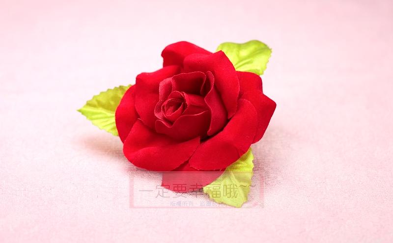 一定要幸福哦~~絨布玫瑰胸花(B款) 、禮儀名條、婚禮小物、婚俗用品 、紅包袋