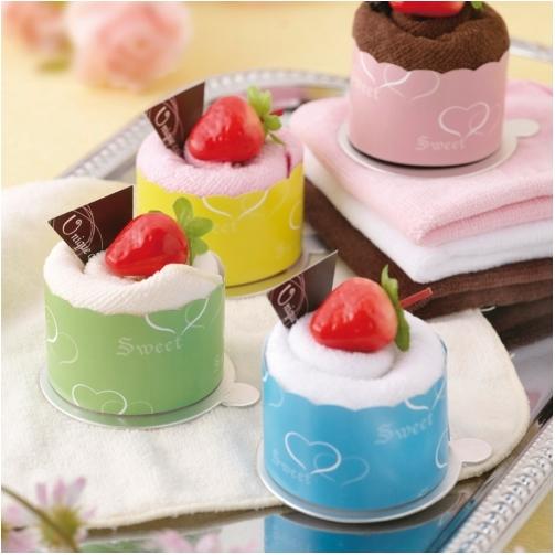 一定要幸福哦~~甜蜜草莓杯杯蛋糕毛巾(20個特價2200元)、送客禮、蛋糕毛巾、生日禮、購物袋