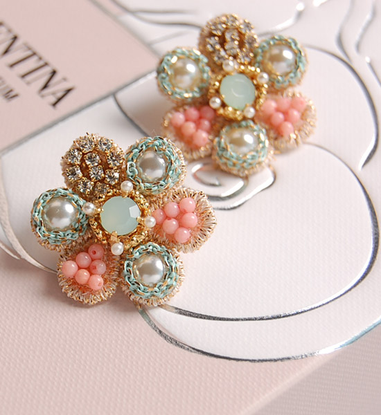 Romantic Swarovski 精緻珠花夾式耳環Romantic Beads Flower Earring