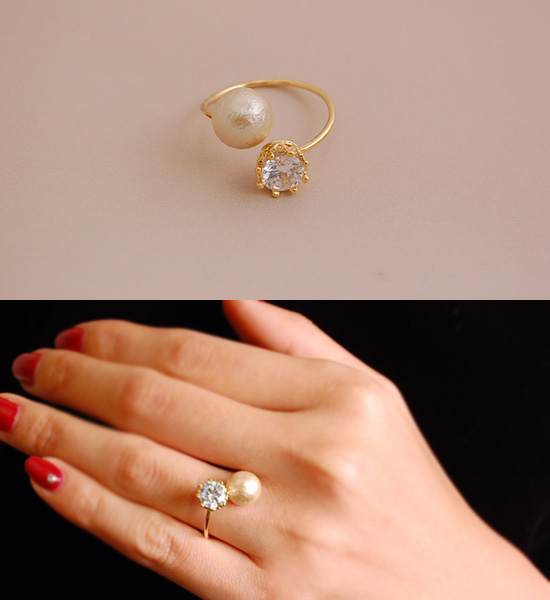 14 K Cotton Pearl &鑽石戒指Cotton Pearl & Diamond Fork Ring