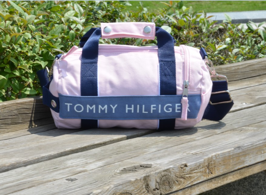 限量美國空運_TOMMY HILFIGER 兩用休閒運動(小)圓桶包肩背包(粉紅色)手提包,約A4大小