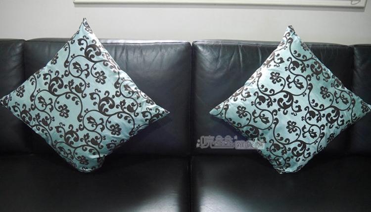 《喨晶晶生活工坊》時尚奓華 圖騰-淺藍綠.45*45cm 絲質植絨抱枕套/靠坐墊套 $75元.不含枕心