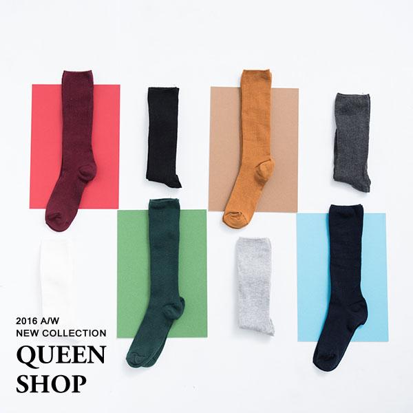 Queen Shop【07110301】素面直紋中筒襪 八色售*現貨+預購*