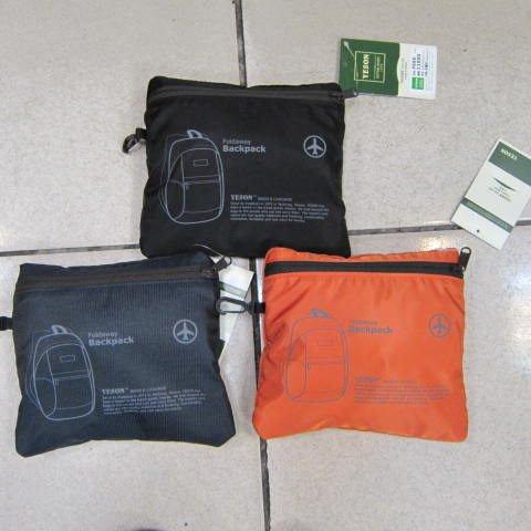 ~雪黛屋~YESON 折疊收納後背包 輕便好攜帶可掛行李箱拉桿上使用 耐磨超輕防水尼龍布F665橘