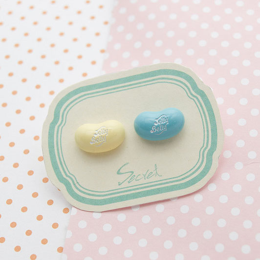 【秘密飾品】「Jelly Bean」雷根糖造型耳針 (兩色) (現+預)