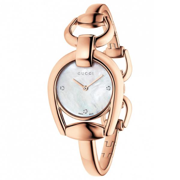 Gucci 古吉YA139508真鑽玫瑰金經典馬銜手環時尚腕錶/白貝面28mm
