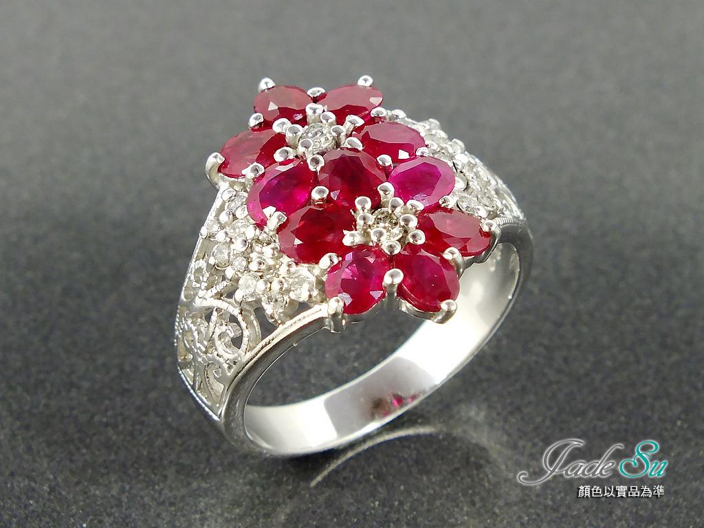 Jadesu Jewelry紅寶石鑽戒,鴿血紅11P總重1.57克拉,鑲嵌天然南非鑽石,圓形22P總重0.24克拉,18白K金戒台,附中鼎寶石鑑定書