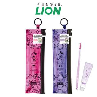 日本 LION 米奇米妮牙刷旅行組(牙刷+牙膏+收納袋) 攜帶式盥洗組 可掛勾環 獅王 迪士尼【N200505】