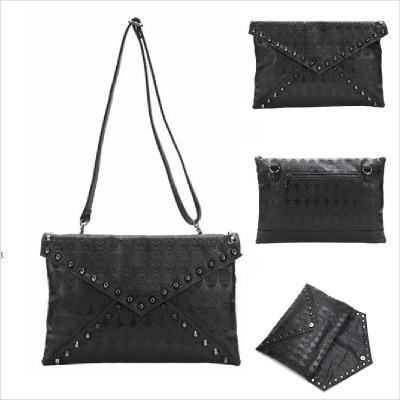 * Anne&Alice包包購 * ~韓系時尚復古黑色骷髏壓紋鉚釘信封包手拿包側背包兩用包~附長背帶~*