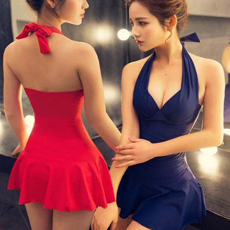SISI【S6001】性感維多利亞超顯瘦深V爆乳抓皺美腰設計綁帶裙式連身裙溫泉沙灘裙傘襬泳衣