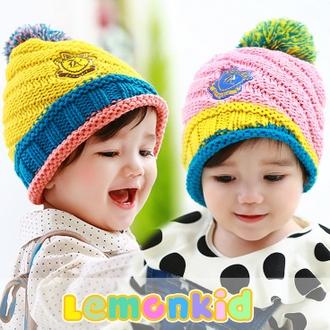 WallFree窩自在★ 秋冬可愛彩色毛球亮眼糖果配色徽章兒童編織毛線帽
