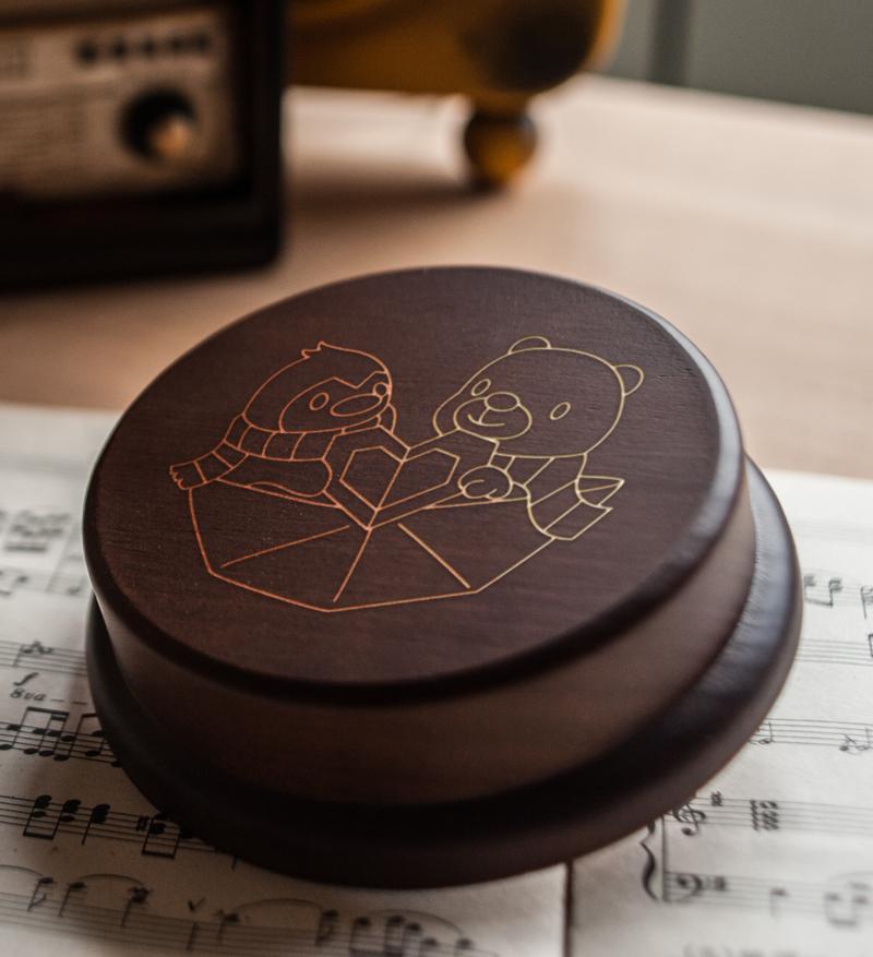 木製 發條式選轉音樂盒 客製化情人節禮物-企鵝和北極熊情人
