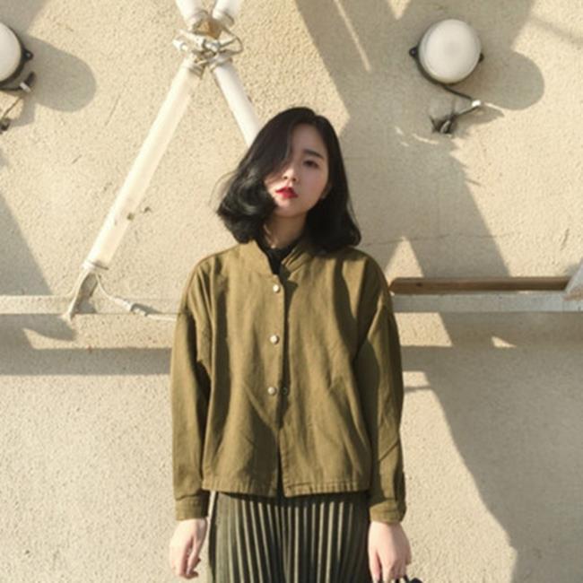 50%OFF【G017336C】軍綠個性輪廓短外套-防曬棒球外套夾克外套鋪棉外套西裝外套