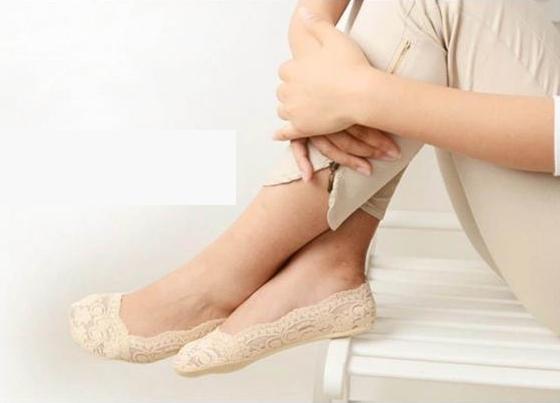 地板襪 蕾絲花邊透氣防滑隱形襪 韓國原單 蕾絲船襪 隱形襪 女士矽膠防滑淺口隱形蕾絲花邊船襪女薄短襪