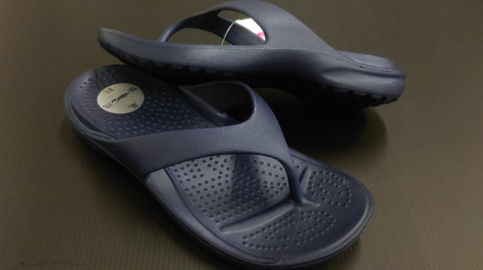 ※555鞋※藍 母子鱷魚 馬卡龍色 浴室 海灘 防水 拖鞋 人字拖 一體成形 氣墊 超舒適運動休閒拖鞋~超軟Q
