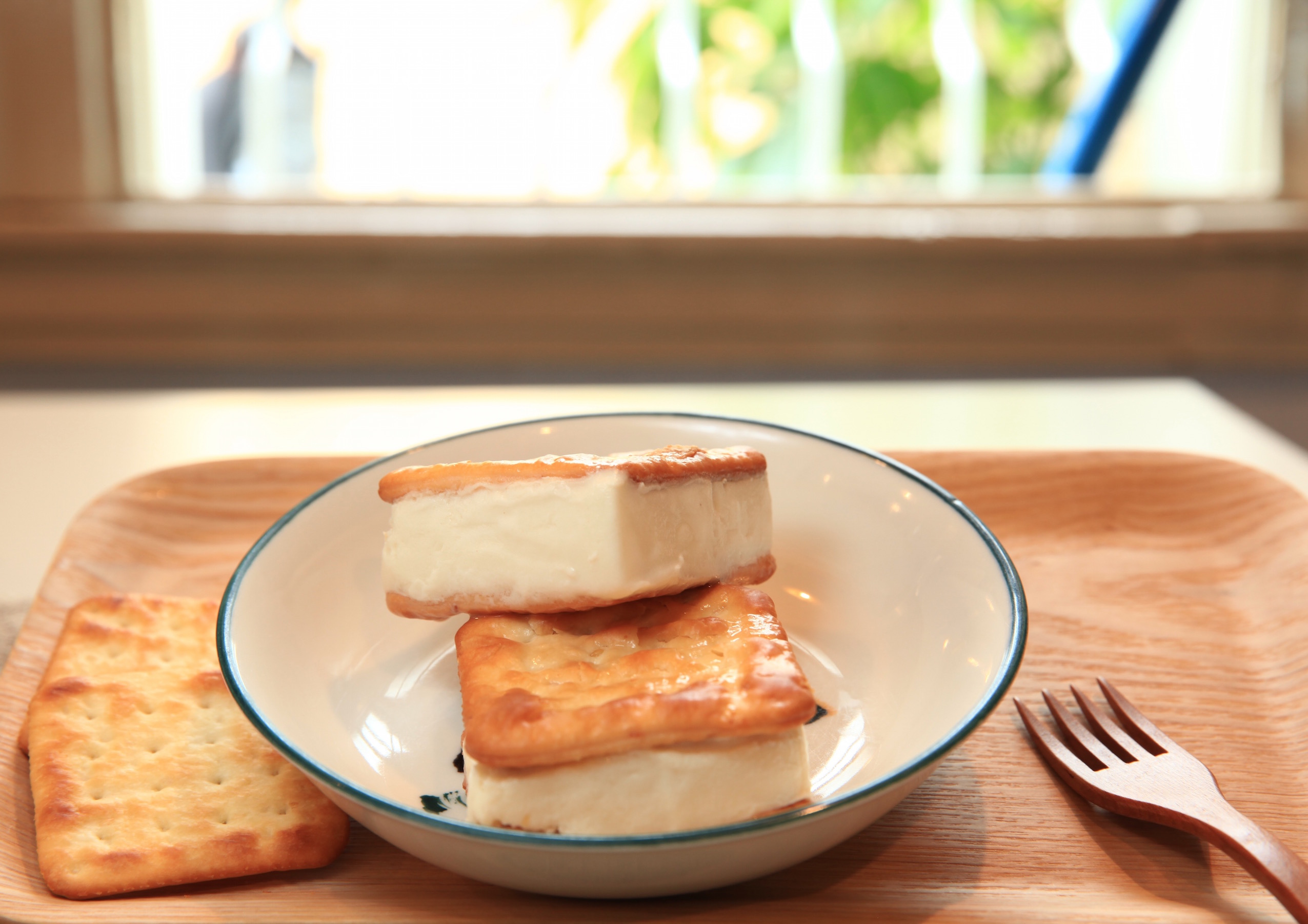 """~無聊郎懷舊冰品冷飲~ 牛奶冰淇淋三明治 """"純手工古早味料好實在"""""""