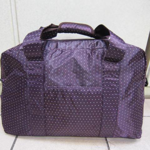 ~雪黛屋~X-TREME小點點可愛旅行袋防水尼龍布材質超大購物袋 大容量 好收納不占空間XT262 紫