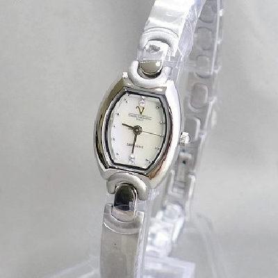 《好時光》Emilio Valentino 范倫鐵諾 迷你酒桶型天然貝殼面盤時尚女錶-藍寶石水晶鏡面