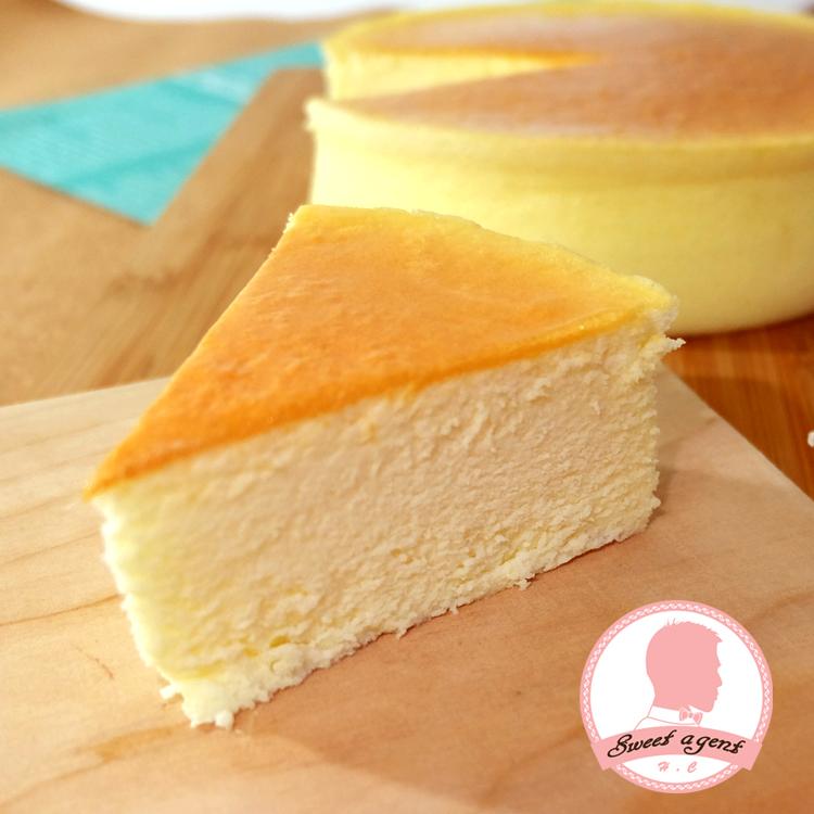 【甜點特務】[ 月圓輕乳酪蛋糕 ] 烘培烤出乳酪香氣