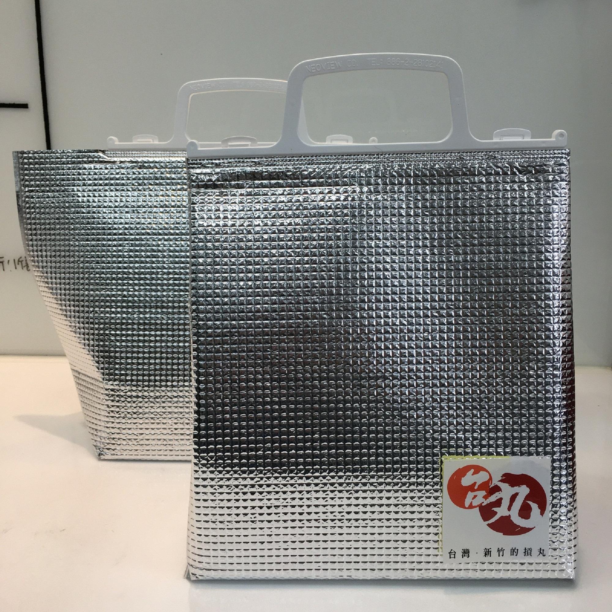 送禮超實用保冷袋2~4小時不退冰,大小適合最多可放進5包貢丸