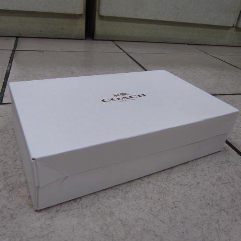 ~雪黛屋~COACH 長夾盒國際正版長型皮夾小型包小手拿包紙盒進口厚紙材質可摺疊收納展開為盒-長夾盒