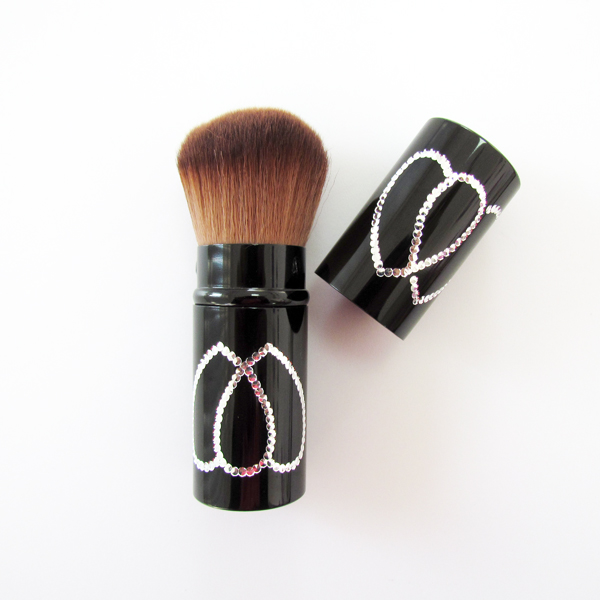 【依洛嘉】專業化妝師心型伸縮式收納型蜜粉腮紅刷A346