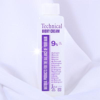 【美髮沙龍.DIY染髮】9%染頭髮專業用雙氧水(顯色劑)-60ml [10147]另有販售1000ml
