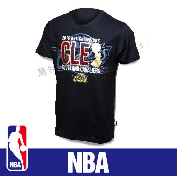 萬特戶外運動-NBA 2016 冠軍紀念T恤 克里夫蘭 騎士隊 James Irving Love 圓領精梳棉T 黑色