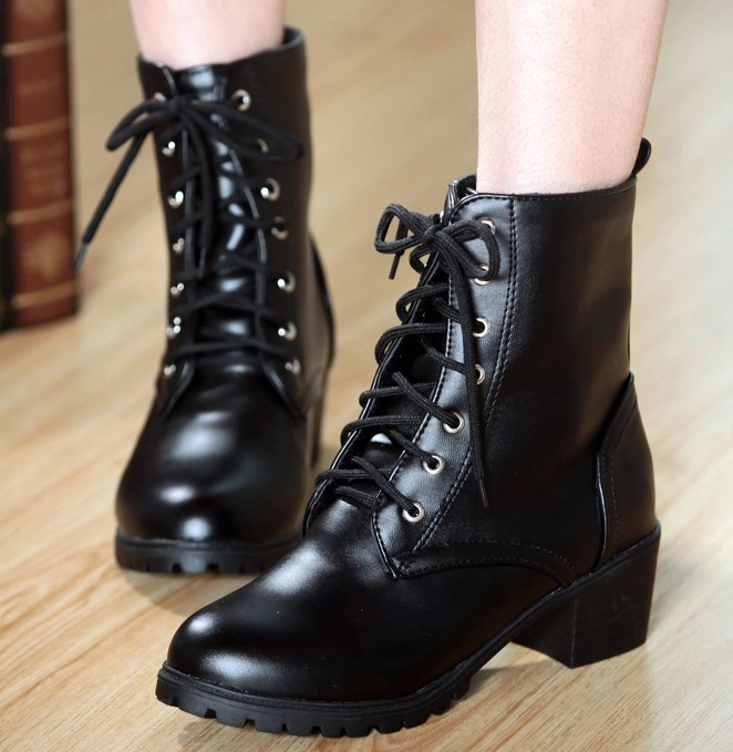 粗跟系帶英倫風馬丁短靴女鞋子單靴子-黑/杏/白34-43【mo-42070953804】