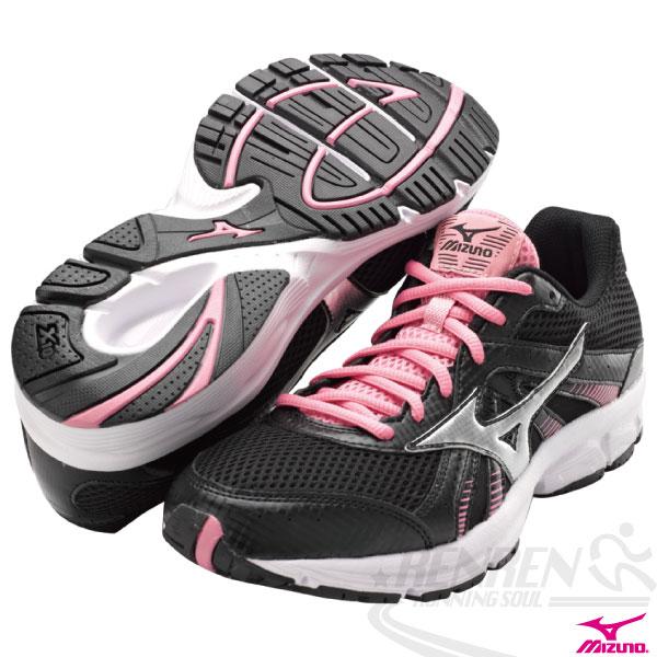 MIZUNO 美津濃女慢跑鞋 CRUSADER 8 (黑*銀) 一般型鞋款 適合慢跑快走