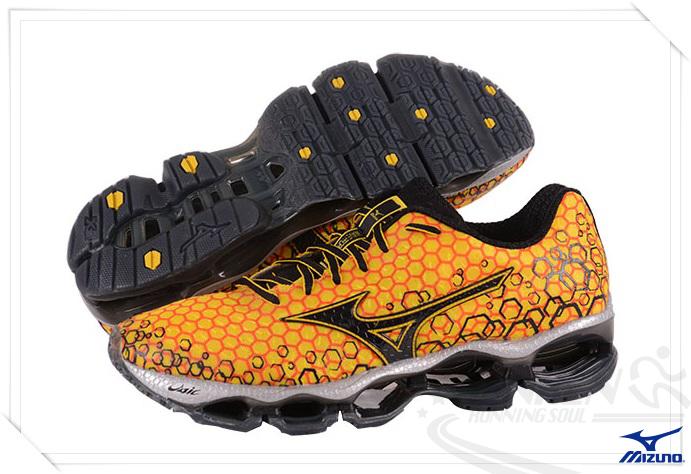 MIZUNO美津濃 男慢跑鞋 WAVE PROPHECY 3 (橘*黑)。J1GC140013