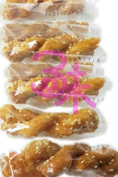 (台灣) 古早味 純手工 芝麻麻花捲 麻花酥 600公克 80元 另有黑熊 雞蛋蜜麻花 黑糖蜜麻花 香蔥麻花捲