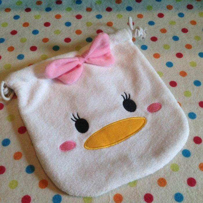 =優生活=迪士尼 tsum tsum 唐老鴨 黛西 毛絨刺繡束口袋 拉繩袋 拍立得收納包 化妝包 雜物包╴