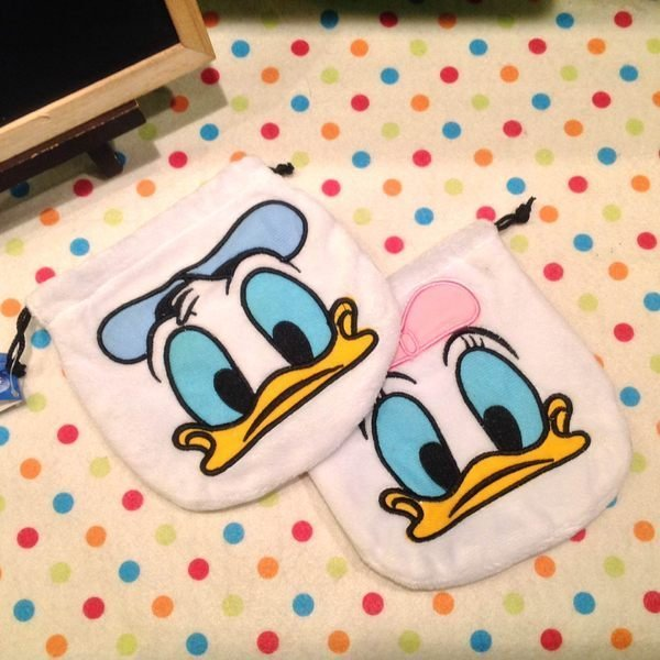 =優生活=唐老鴨 黛西毛絨束口袋 迪士尼 化妝包 收納包 置物包 衛生棉包