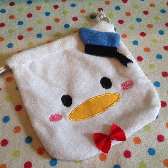 =優生活=迪士尼 tsum tsum 唐老鴨 鴨鴨毛絨刺繡束口袋 拉繩袋 拍立得收納包 化妝包 雜物包