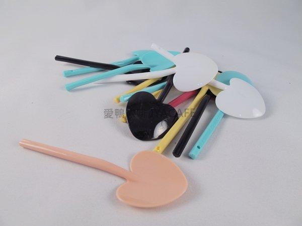 《愛鴨咖啡》心型彩色塑膠湯匙 生日蛋糕匙