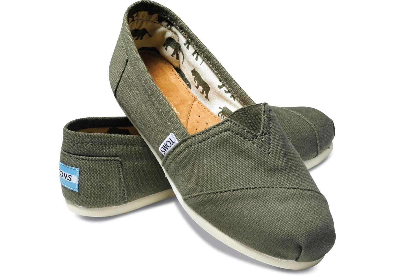 【TOMS】橄欖綠色素面基本款休閒鞋  Olive Canvas Women's Classics