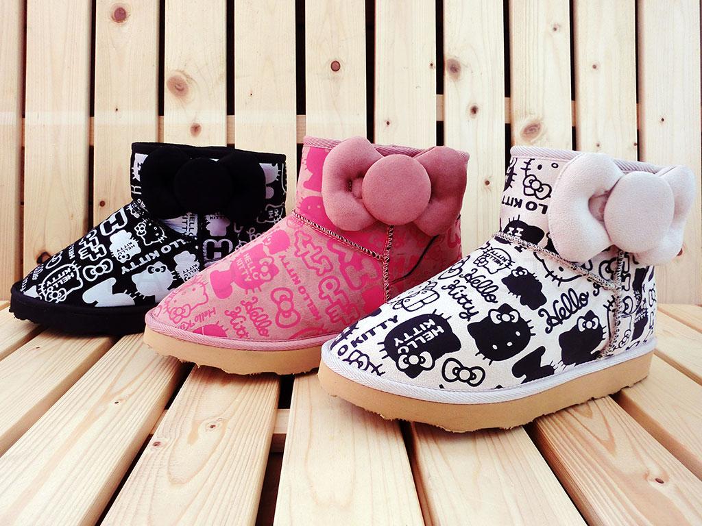HELLO KITTY 凱蒂貓 914139 滿版大圖 立體 蝴蝶結 雪靴 短靴 短筒靴 (黑 / 粉 / 米色)