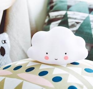【預購.12月中出貨】微笑雲朵造型夜燈(小) 寶寶台燈安撫燈 派對裝飾 可愛療癒無線小云朵 【Limiteria】