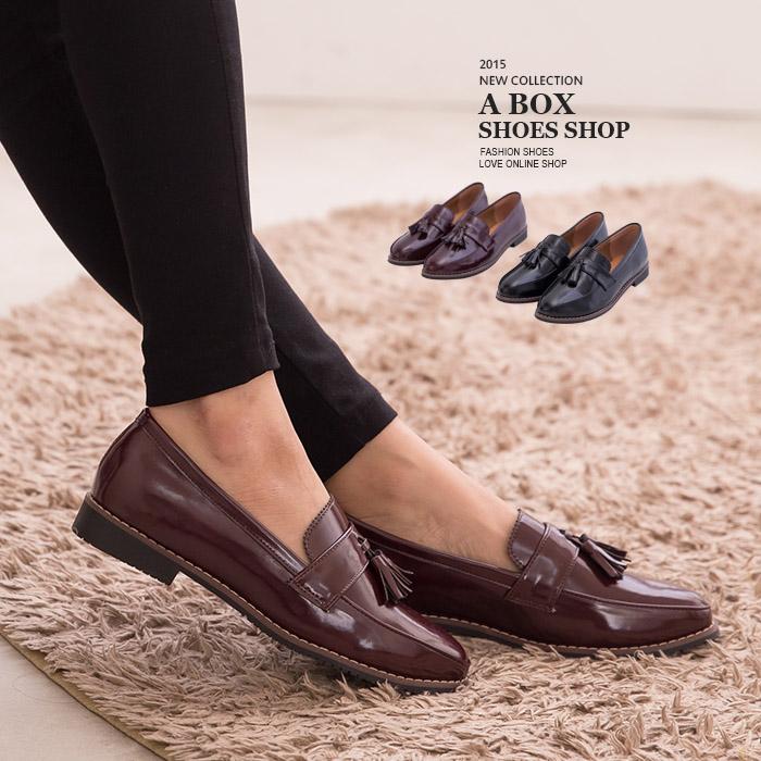 ★399免運★格子舖*【KW535】英倫風情 小流蘇質感光澤亮皮 2.5CM低跟紳士鞋牛津鞋包鞋 2色