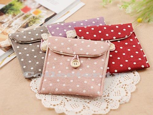 【G13101201】韓國 清新波點紙巾收納包 衛生棉包 複古時尚收納包 化妝品收納包