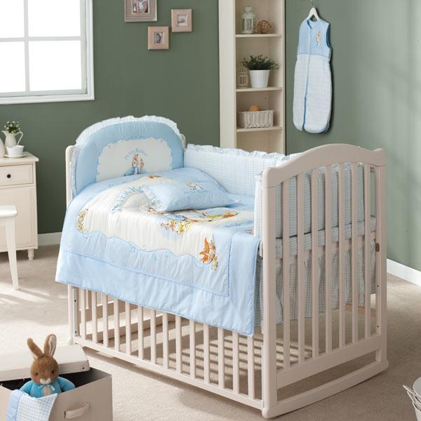【淘氣寶寶】奇哥 典雅嬰兒大床-珍珠白(附軟床墊 ) (128x72x105公分)+粉彩比得兔六件寢具組(藍)