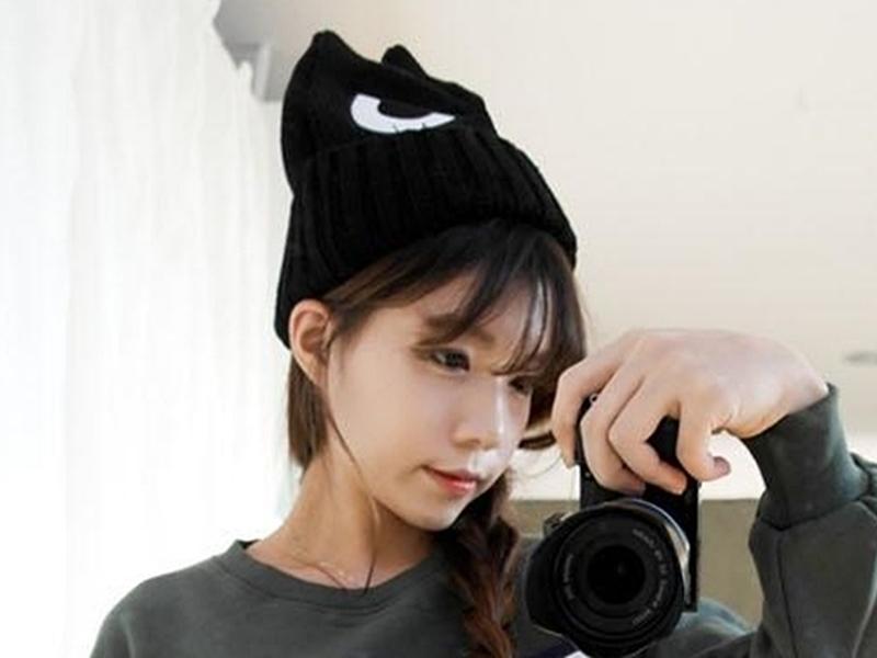 《316小舖》【YB13】(韓版百搭可愛猫眼保暖帽子-單件價 /可愛帽子/猫眼帽子/卡通帽子/女士帽子/男士帽子)