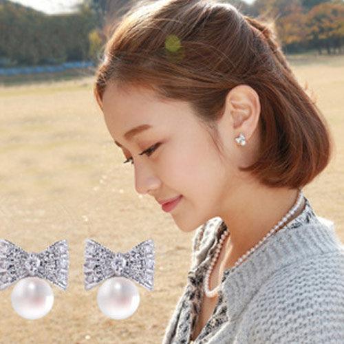 PS Mall 韓國韓劇類似款 氣質可愛鑲鑽水鑽蝴蝶結珍珠耳環 耳飾 【G1796】