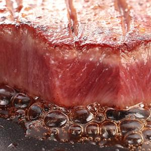 【好神】美國Prime等級21盎司嫩肩牛排2片組-超人氣銷售!!   ●PRIME為最佳等級!!     ●讓人驚訝的大份量pirme等級的嫩肩牛排,軟嫩口感讓人吃了就滿足。