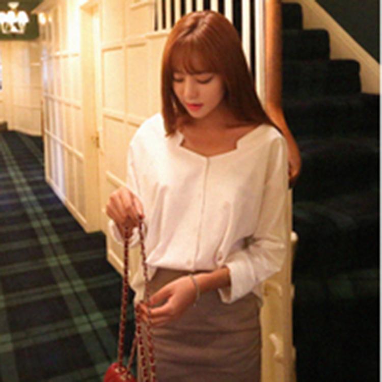 【正韓1折up,即將完售!】CHERRYKOKO V領襯衫式上衣 白 banish * blouse-